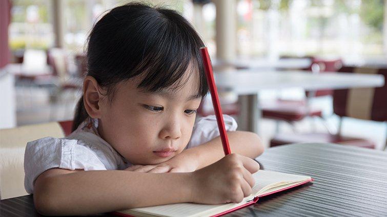 孩子老是寫錯字,標點符號不會標!林怡辰的讀寫教育──低年級篇