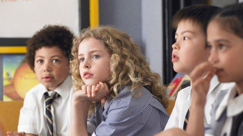 哈佛學子:我才七歲,爸媽就教我質疑老師、挑戰體制