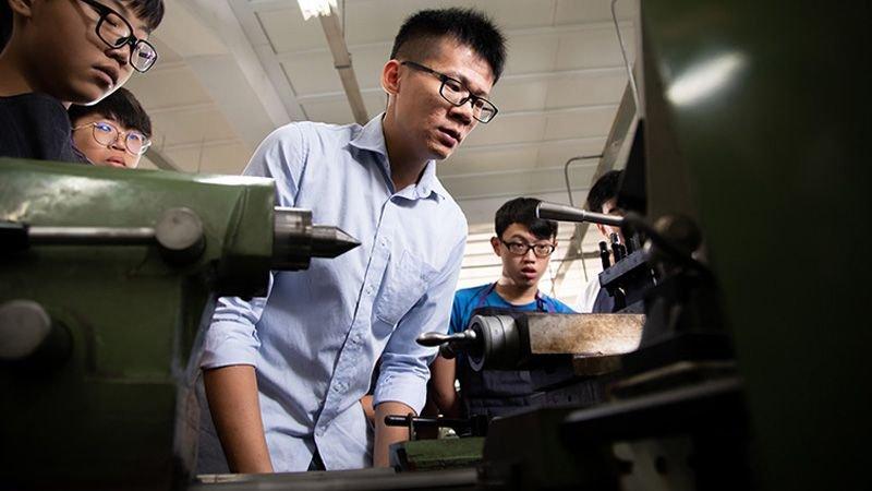 2019傑出青年|木柵高工機械科教師楊弘意:7-11教師,與金牌國手點亮木柵街頭的夜