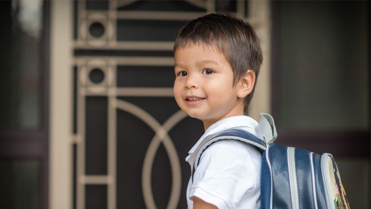 天黑時,孩子必須單獨回家 怎麼做才安全?