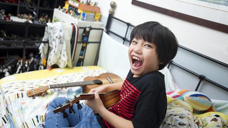 10歲烏克麗麗神童馮羿,最大罩門是學校音樂課