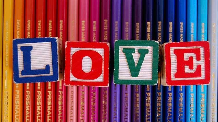【家有青少年】如何分辨是友情還是愛情?