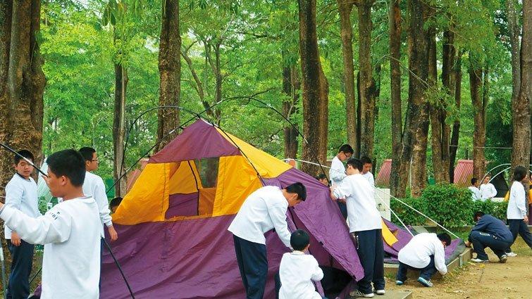 台中市嶺東中學國中部:過夜露營,學習獨立自主