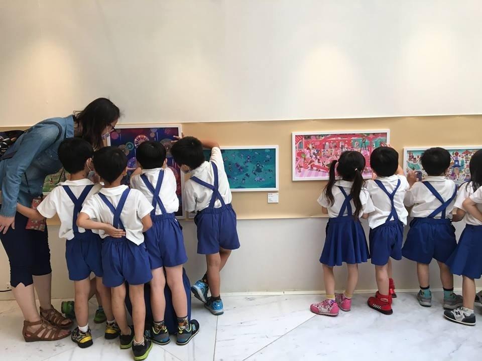 從孩子的視角欣賞畫作,五大繪本畫家邀親子一起蹲下來看童書