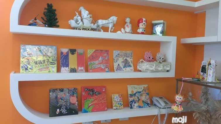 【家中的賴馬書展】-賴馬的手繪週記