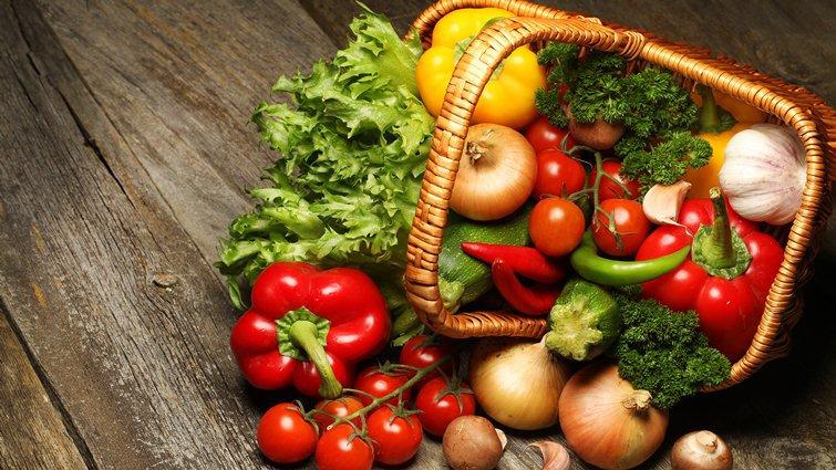 多吃蔬果、少用塑膠包食物 減少化學物質被吃下肚