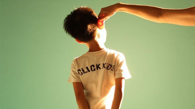 藍佩嘉:體罰孩子的父母,需要助力而非責難