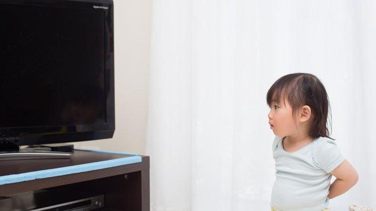 寶寶看電視…居然會造成這5個危害!