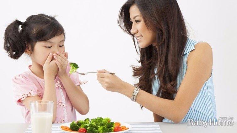 孩子看到蔬菜就搖頭?4大撇步解決挑食問題