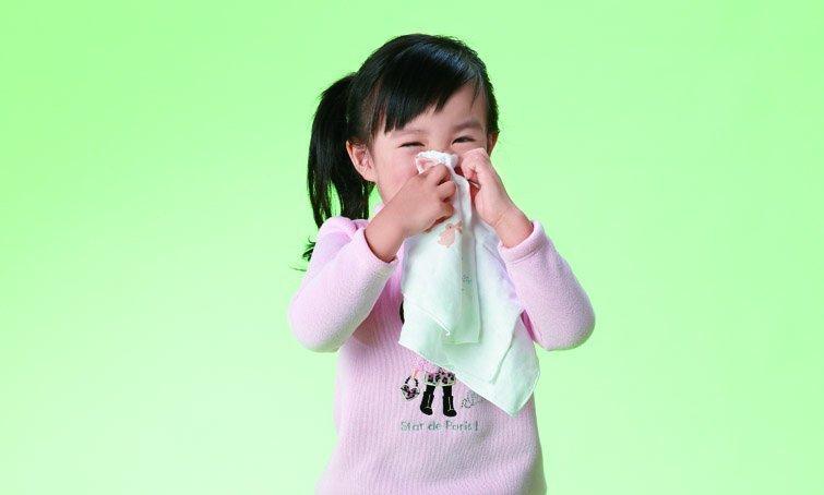 正確處理流鼻血三步驟,別再塞衛生紙!