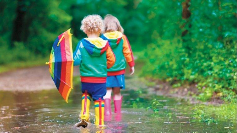 包包穿雨衣、替衣鞋噴防水,下雨出門不怕溼答答!