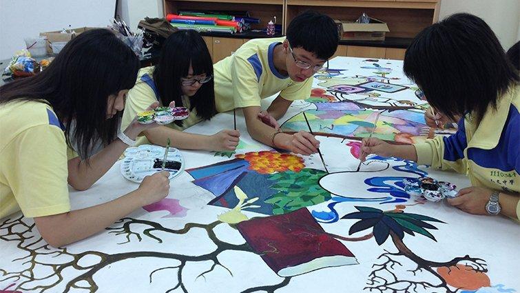 台中市弘文高中國中部:線上教學系統幫助複習