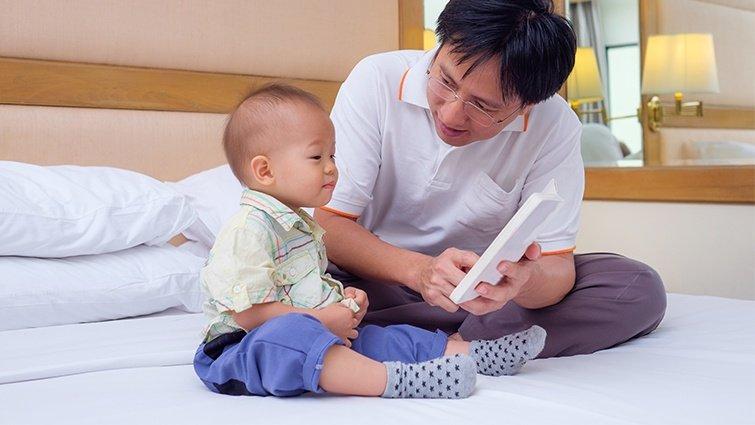 從「爸爸再講一次」到「自主閱讀」 :黃哲斌與兩個男孩的閱讀時光