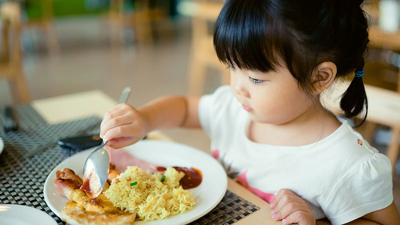 黃瑽寧:別再舉非洲例子叫小孩吃飯了
