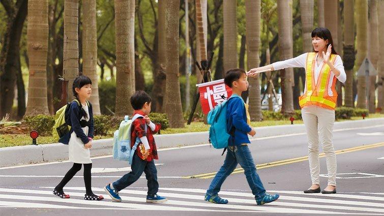 讓孩子安全上學,各國怎麼做?