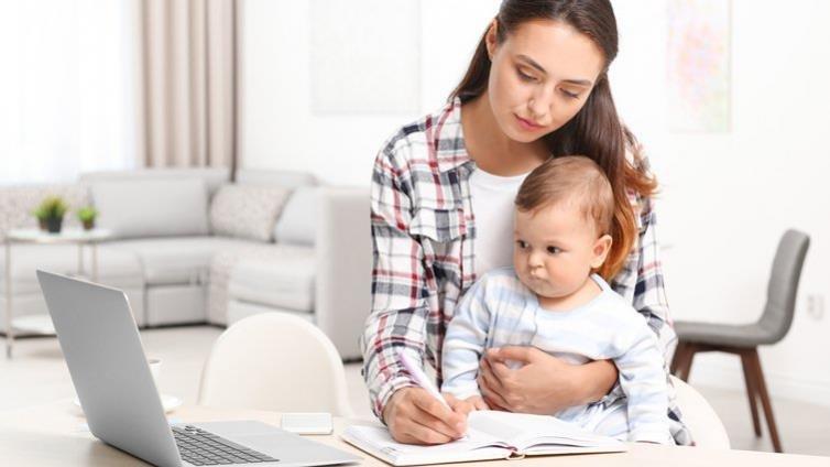 梁莉芳:母職與工作,一定得兼顧?