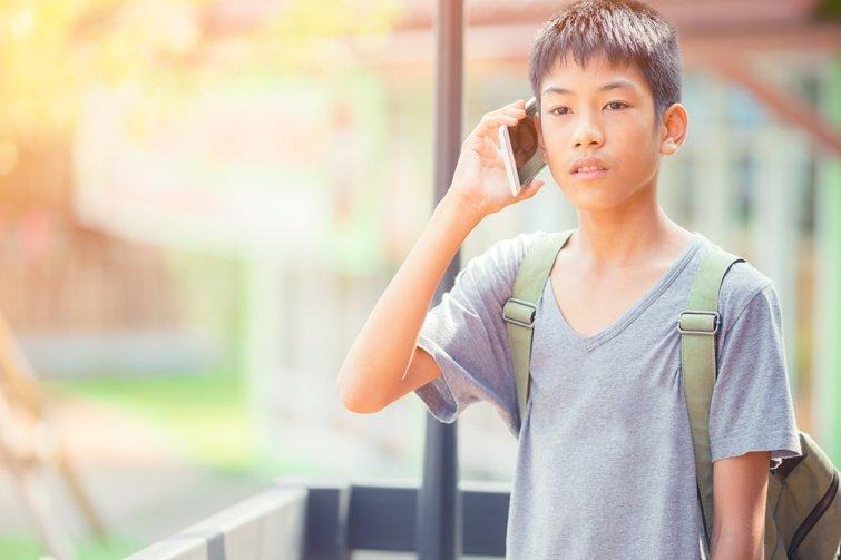 智慧型手機愈用愈憂鬱?5建議幫助孩子放下手機