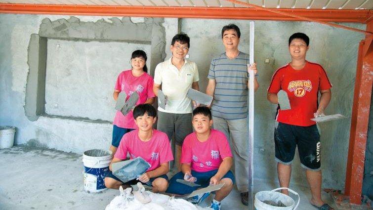 柯錥錤:水泥老董當業師教技術 、給工作