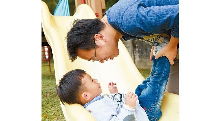 藍佩嘉:留守家庭爸爸的兩難