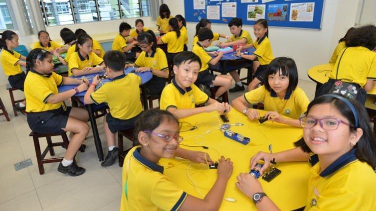 新加坡教育部長王乙康談教改:小學到中學減少考試,降低虛耗,投入探究式學習