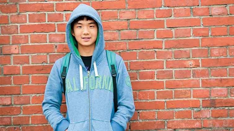 廖偉涵:16歲小神人,鋼琴也上網自學