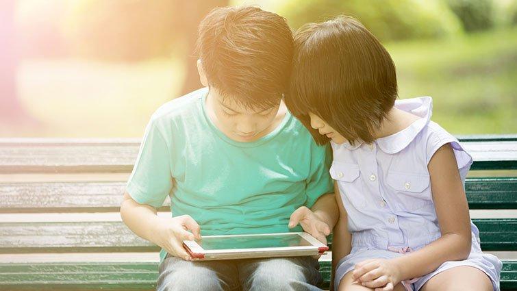 「沒有FB帳號,是不是很遜...」羅怡君:孩子必修資訊素養,不讓分身毀了本尊