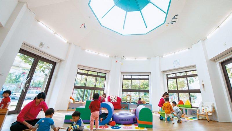 桃園市龜山托嬰中心 擁抱大自然、走進社區,體驗美感與真正的生活