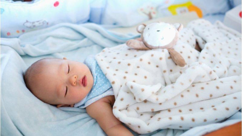 新手爸媽必看!嬰兒床、安全座椅……嬰幼兒必備用品安全常識,你答對幾題?