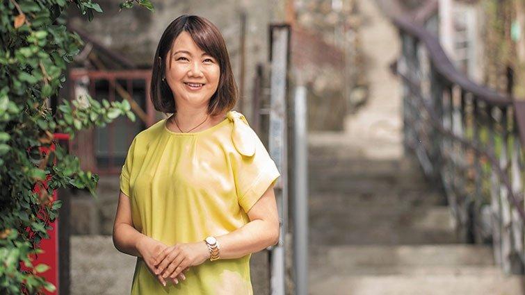 蘇絢慧:走過殘破童年,學會把自己愛回來