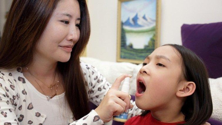 冬天一到,怎麼避免孩子喉嚨痛痛,感冒加重? 居家照護的關鍵一招!
