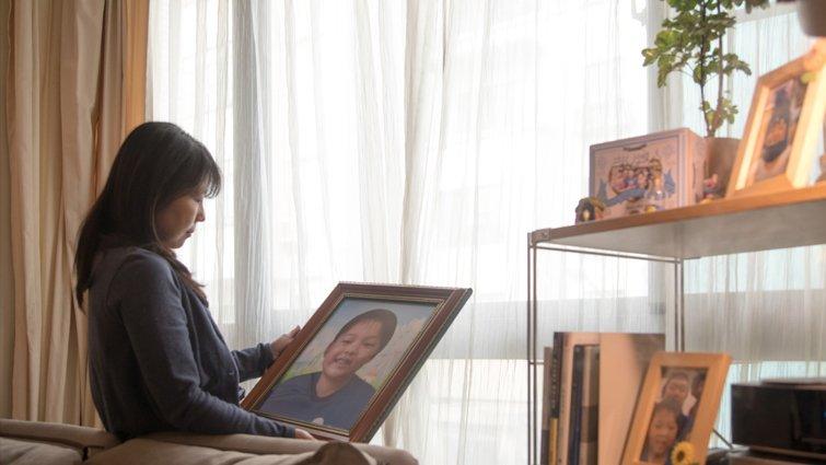 因為愛,直視死亡的母親:我拿聽診器聽他的心跳,直到最後一聲......