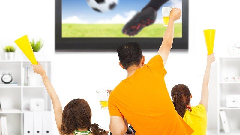 為什麼我一開電視看球賽就掉分、關電視就得分?