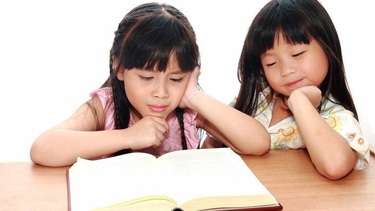 郝明義:正因網路閱讀崛起,孩子更應該從小習慣紙本閱讀