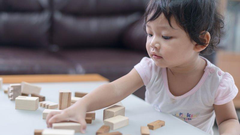 防疫期間,在家與孩子玩好玩的感統發展遊戲