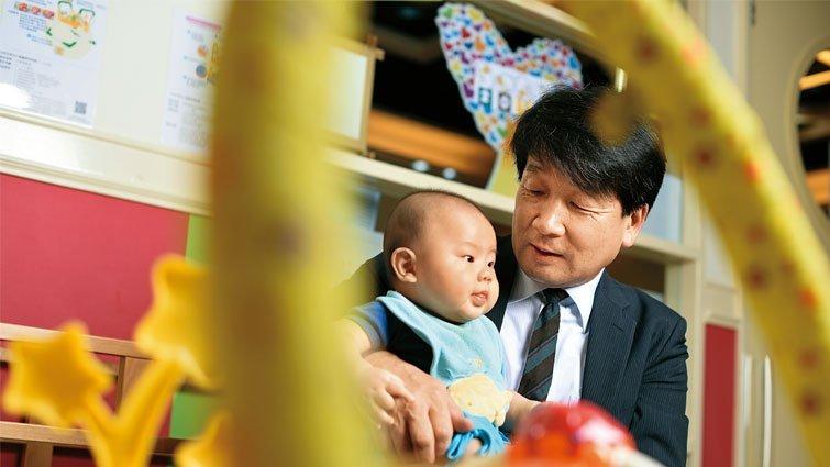 日本嬰幼兒發展專家前橋明:腦發展從身體刺激開始!