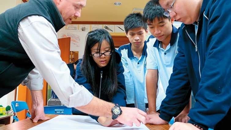 高雄市義大國際高中國中部 :國際認證課程直通國外大學