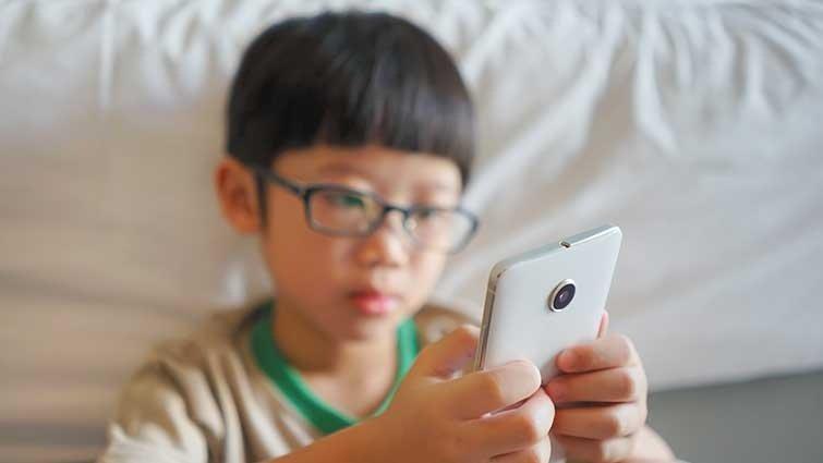 美家長發起「14歲前,不給智慧型手機」