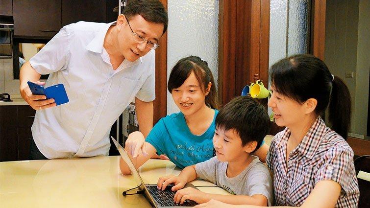 蘇明進:善用臉書社團 拉家長協助班級經營