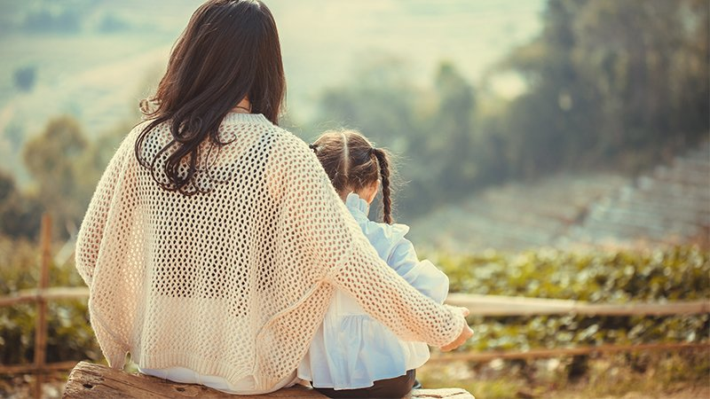 身為母親,最揪心的就是孩子需要我們時,我們不在