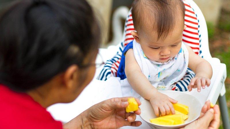 致辛苦的爸媽──準備副食品前,先問問自己:我吃飽了嗎?