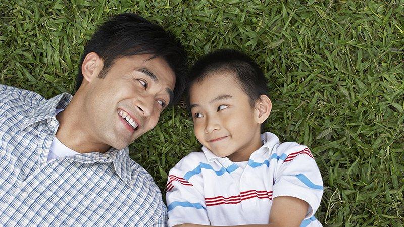 怕孩子像你一樣?醜爸:父母停止懲罰自己,孩子像你,可以是件幸福的事