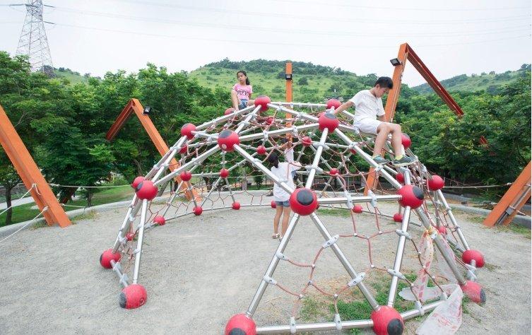 攀爬網/架可以幫助孩子哪方面的發展?