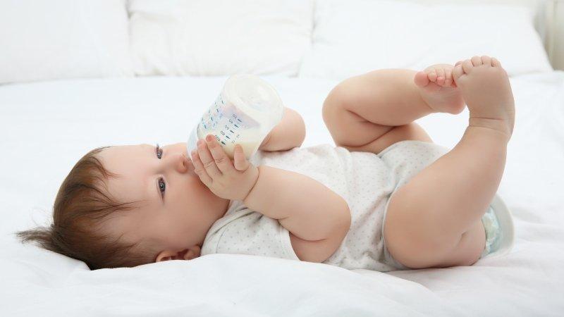求救!寶寶每天該喝的奶都喝不完,怎麼辦?