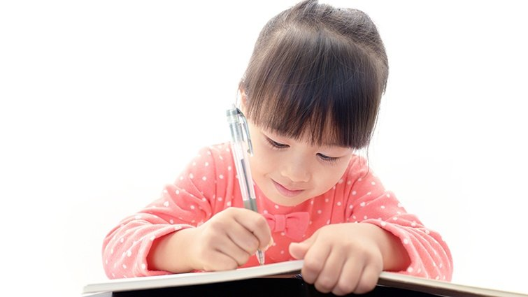 如何培養孩子的英語寫作力與聽力?