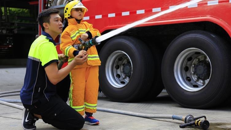 小小消防員,滅火登雲梯難不倒-【小小職人體驗全搜集】