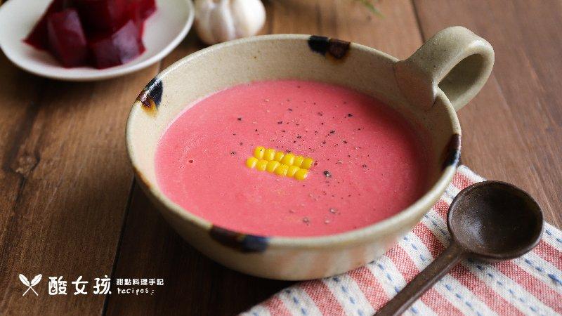 與當季蔬菜共舞,玉米濃湯神奇變身彩色季節濃湯!