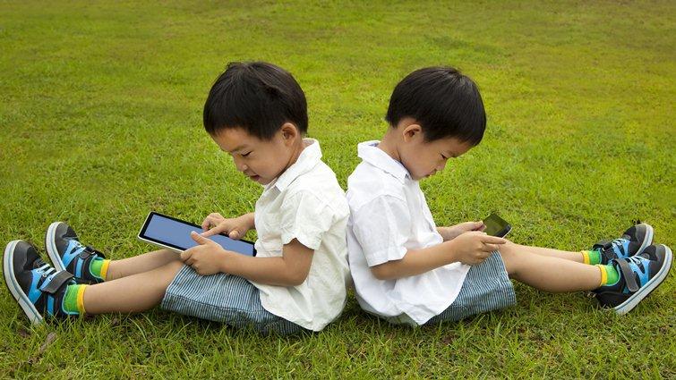 臉書推13歲以下通訊程式Messenger Kids 引發家長激辯