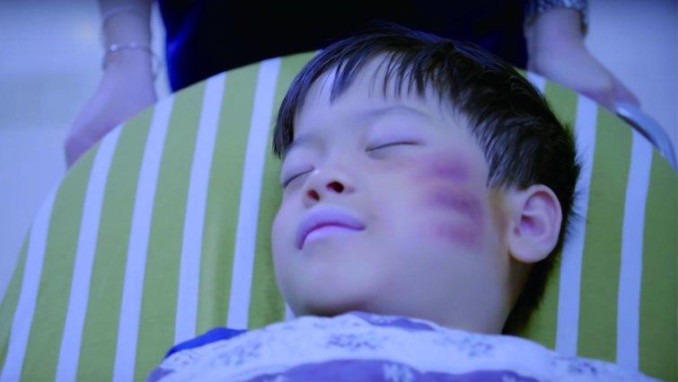 五歲男童多處骨折送醫  醫警攜手揭兒虐真相