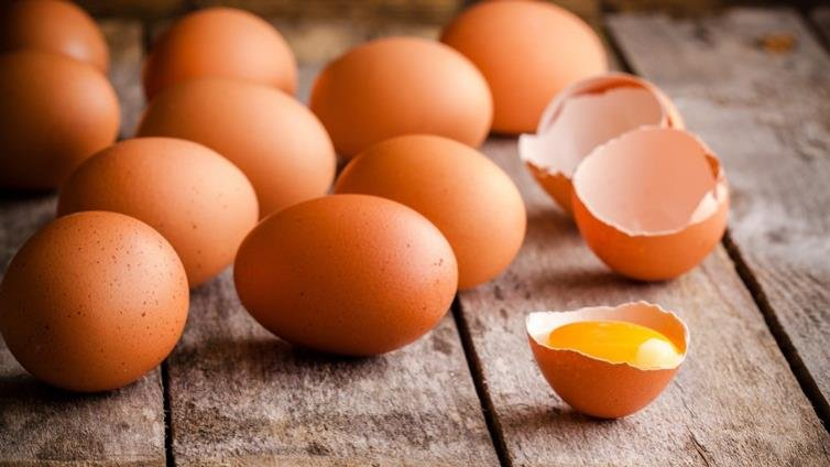 防「壞蛋充好蛋」吃下肚 政府擬禁畜牧場、洗選場製作液蛋