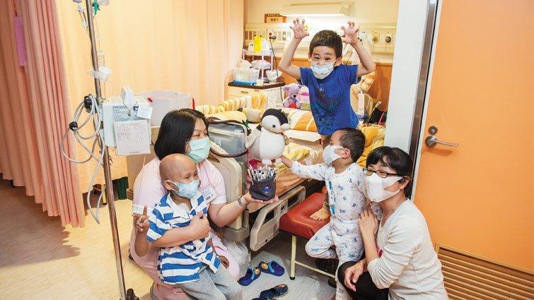 「神母寶寶」謙恩 醫院是他溫暖和歡樂的家